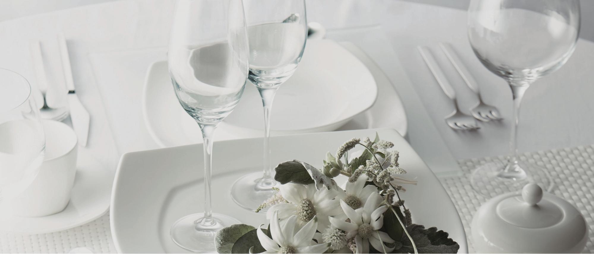 食器・グラスから厨房備品まで店舗備品のすべてをご用意します